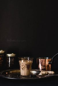 Homemade spiced chai is the perfect cup of tea for chilly autumn evenings | Tea Recipe spiced with ginger and cardamom