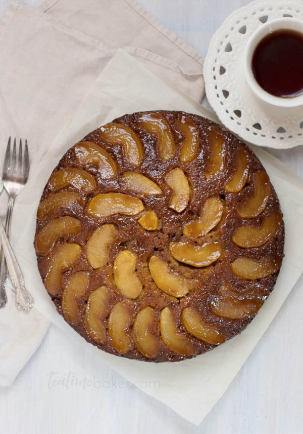 Celebrate fall with a Caramel Apple Upside Down Cake! Fresh apples and homemade cinnamon caramel topped with a fluffy buttermilk spice cake is the perfect dessert | Fall Dessert | Apple Cake | The Teatime Baker #caramelapplecake