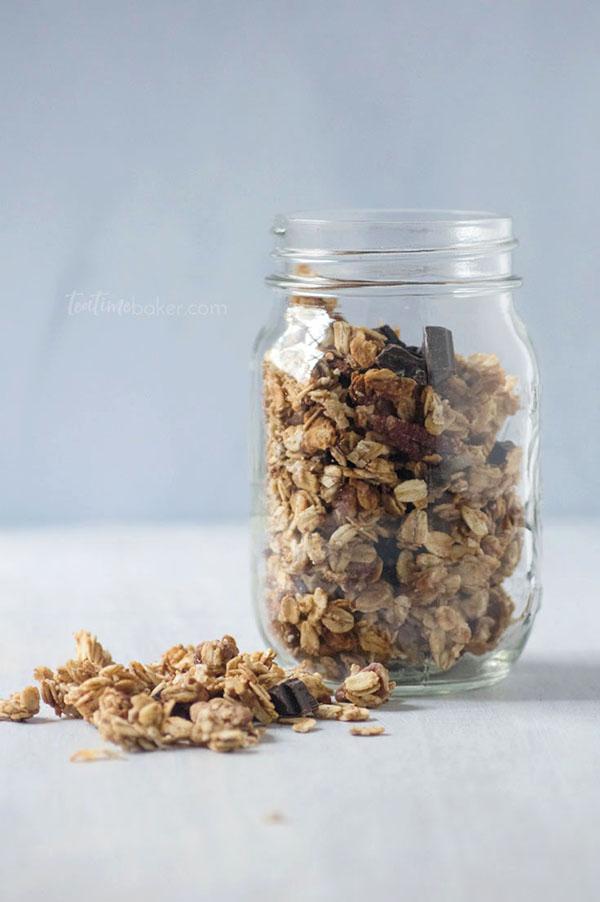 Breakfast Recipe | Healthy Peanut Butter Chocolate Chunk Granola | After School Snacks | Healthy Snacks | Healthy Granola