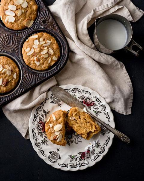 Fresh Orange & Oatmeal Muffins