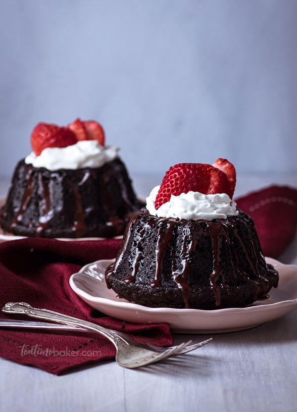 Dark Chocolate Mini Cakes With Espresso Ganache The