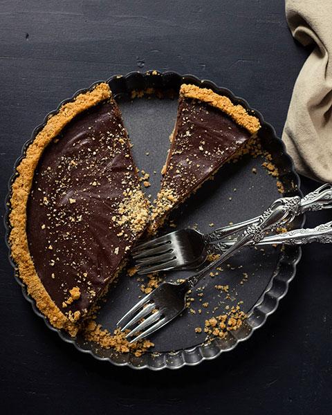 Dark Chocolate S'mores Tart